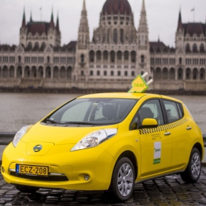 Cellum gives boost to all-electric Green Taxi with app payment functionality